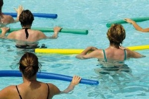 People working out in an aquatic therapy pool